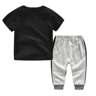 T-paita ja housut setti